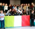 """Jusqu'à mardi, 14 jeunes correspondants italiens du lycée linguistique """"N. Jommelli"""" d'Aversa sont accueillis dans le Chablais grâce à l'amitié des enseignantes et au soutien des directeurs"""